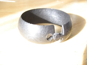 Photo of a napkin ring that opens